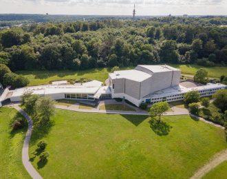 Das Wolfsburburger Sharoun Theater von oben