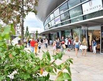 Shopping in den designer Outlets