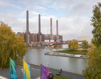 Blick auf das VW-Werk aus der Autostadt
