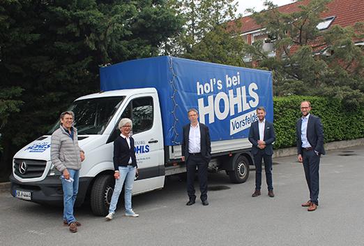 Unternehmensbesuch bei der Karl HOHLS KG, von links: Christian Kluge, Karin Hohls-Kluge, Oberbürgermeister Klaus Mohrs, Dennis Weilmann, Jens Hofschröer
