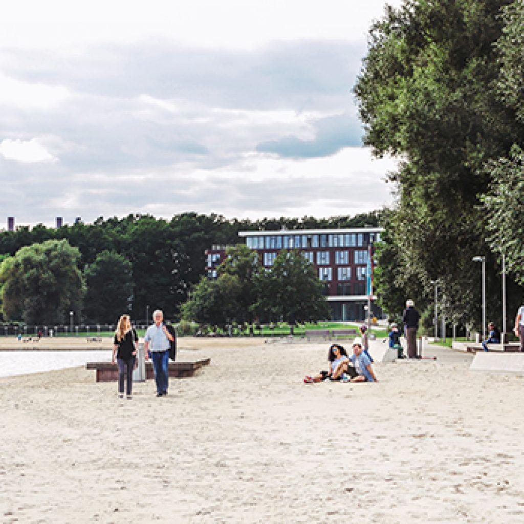 Das Bild zeigt den Allerpark in Wolfsburg. Dort wird ein Schausteller demnächst das gastronomische Angebot erweitern.